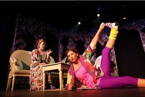 """12- 13 ve 14 Nisan tarihlerinde İstanbul Devlet Tiyatrosu yapımı """"Düdüklüde Kıymalı Bamya"""","""