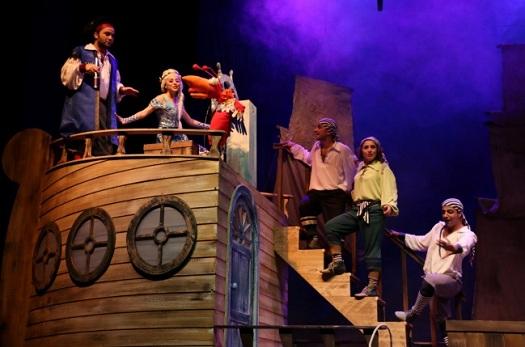 """25 ve 26 Nisan tarihlerinde Diyarbakır Devlet Tiyatrosu yapımı çocuk oyunu """"Deniz Kızı ve Sevimli Korsanlar"""","""