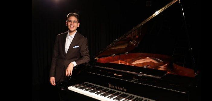 Caz piyanisti Hakan Başar İlk Albüm Lansmanı (22 Ekim 2019)Pera Güzel Sanatlar Lisesi